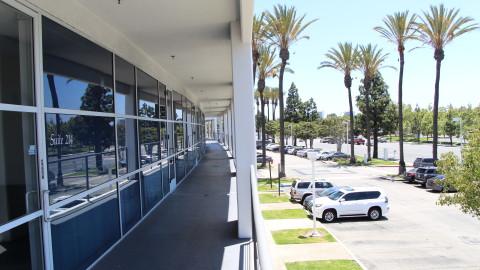 2901 – 2961 W. MacArthur Blvd.